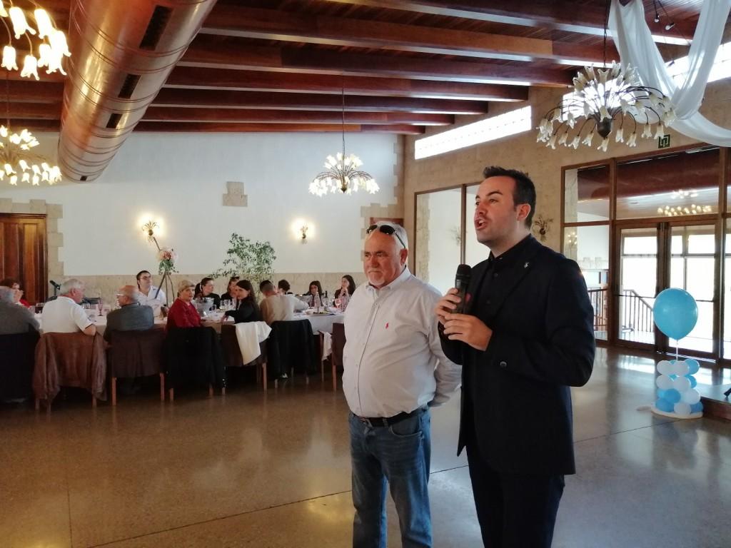 Julio Bellaubí, de Housing & Fishing JB, atento a las palabras de bienvenida de D. Lluis Soler, Alcalde de Deltebre